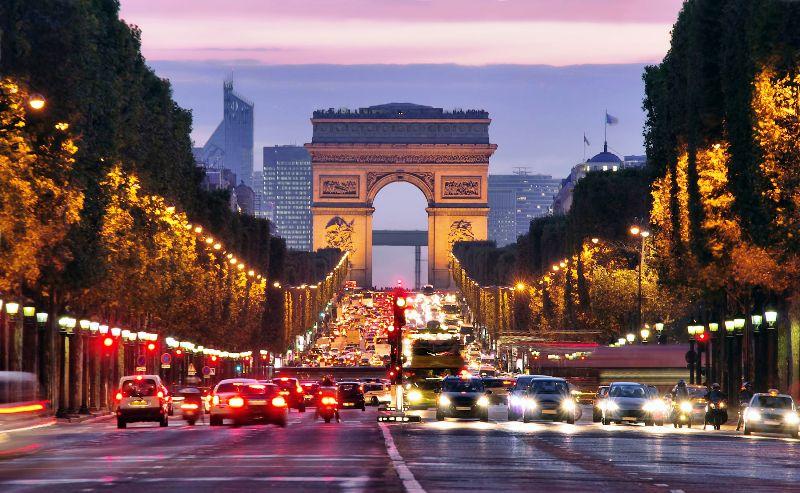 Нам до Парижа – далеко!